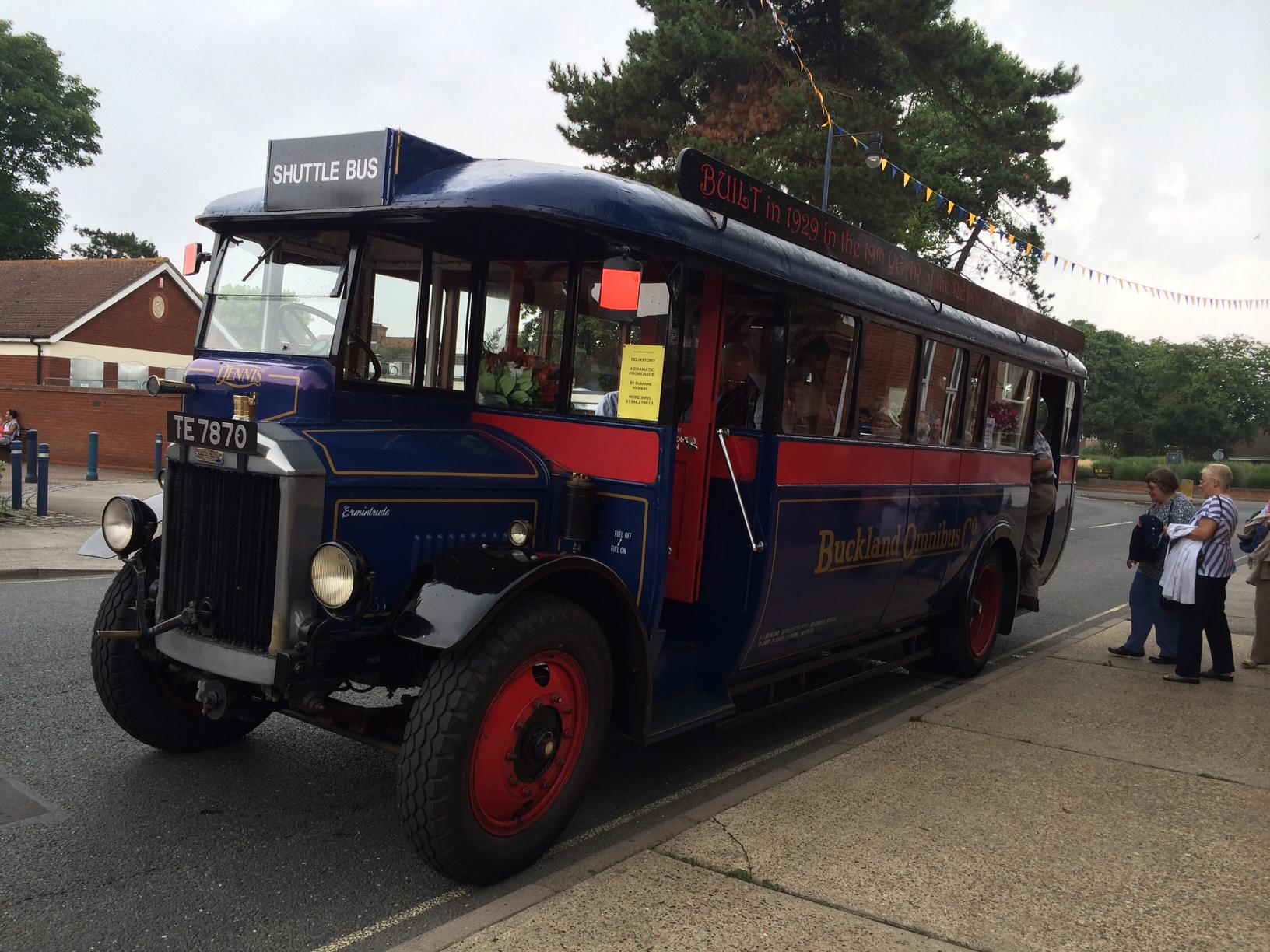 Felixstory bus