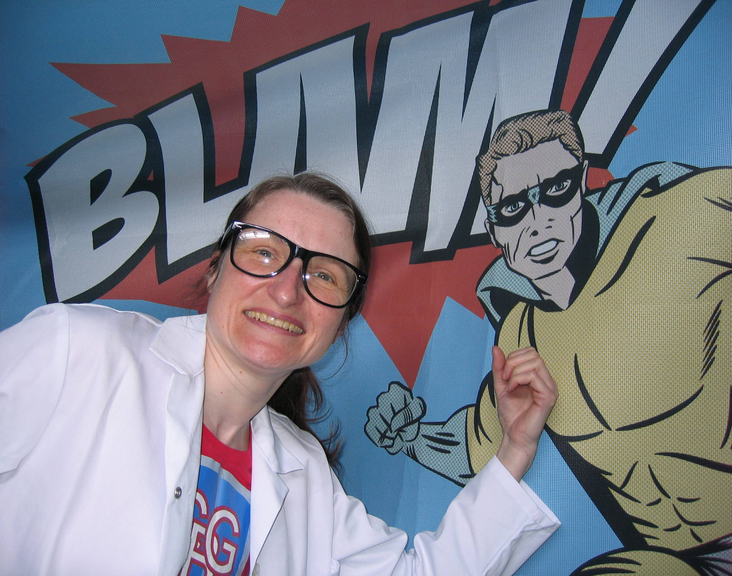 SNL Lorraine Finch, Comic Book Girl